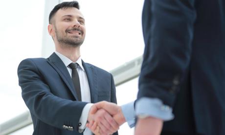 24 Tips y Estrategias Para Conectarte Con Líderes e Influenciadores de tu Industria