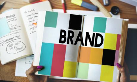Brand Book: O Que É e Como Criar o Manual da Marca (+7 Exemplos)